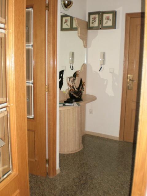 Vestíbulo - Piso en alquiler en calle Astronautas, Torrellano - 25628973