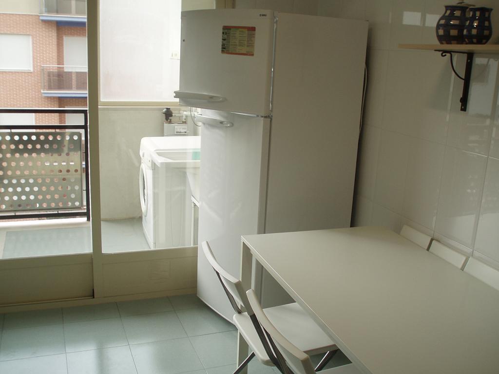 Cocina - Piso en alquiler en calle Maestro Juan Saravia, Caravaca de la Cruz - 205388122