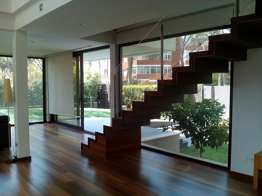 Casa en alquiler en calle Alcanar, Gavà Mar en Gavà - 286899603