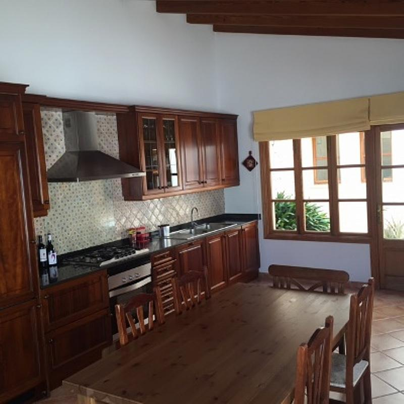 Casa en alquiler de temporada en calle Francesc Xavier Ballester, Campos - 282805810