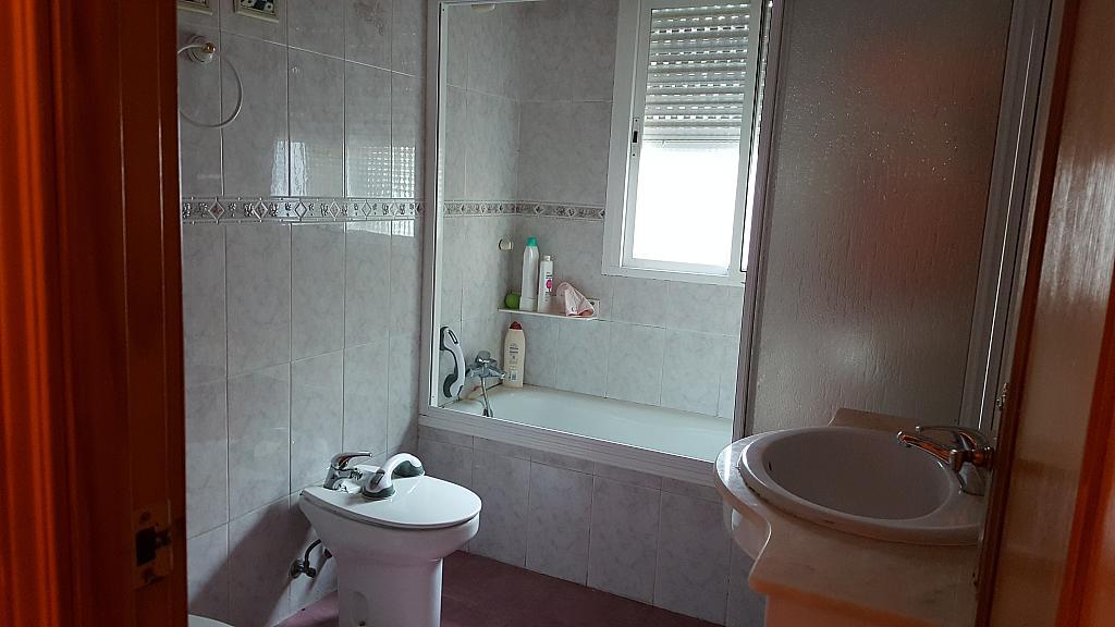 Baño - Chalet en alquiler en calle Avda Encinar, Urb. Encinar del Alberche en Villa del Prado - 325868188