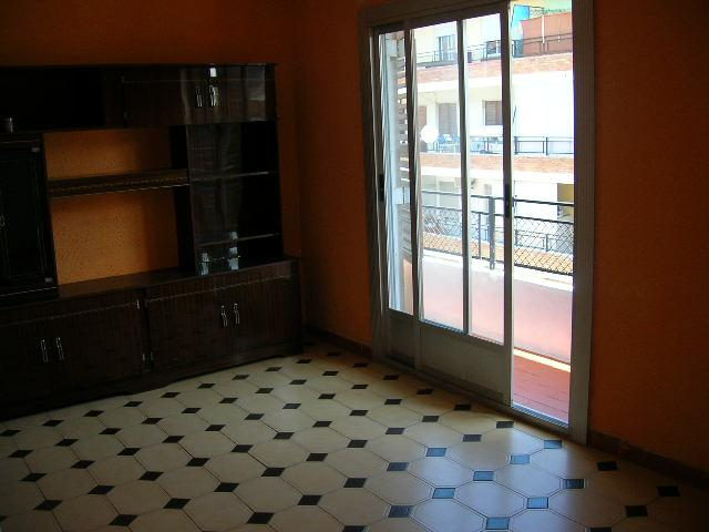 Piso en alquiler en calle Ocho de Marzo, El Barrio Orba-Parque Alcosa en Alfafar - 108633167