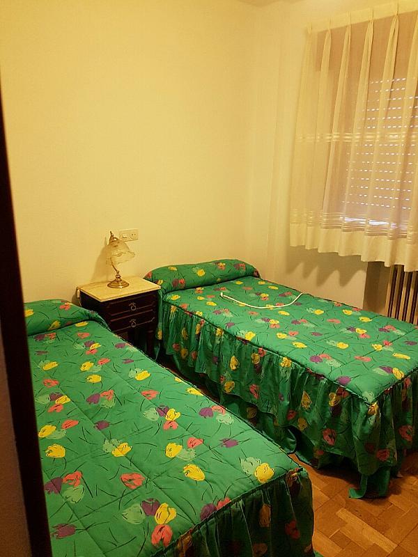 Dormitorio - Piso en alquiler en calle Santa Eulalia de Merida, Buenavista-El Cristo en Oviedo - 304848124