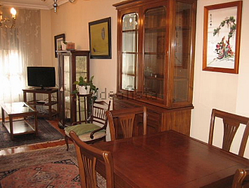 Piso en alquiler en calle Carreño Miranda, La Ería-Masip en Oviedo - 326244558