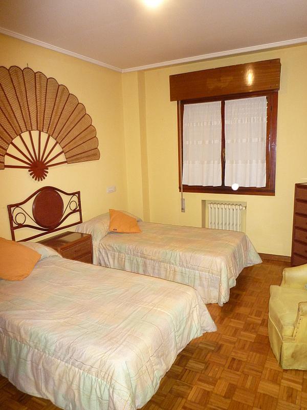 Dormitorio - Piso en alquiler en calle Covadonga, Centro en Oviedo - 243433078