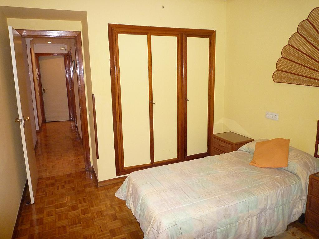 Dormitorio - Piso en alquiler en calle Covadonga, Centro en Oviedo - 243433532