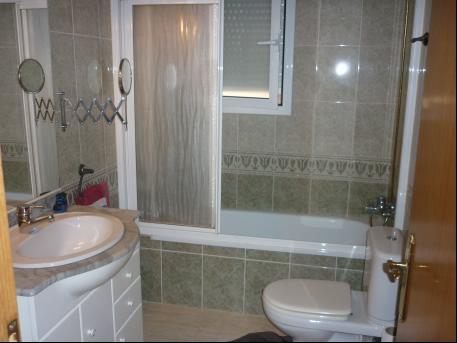 Baño - Piso en alquiler en Centro en Torredembarra - 16444351