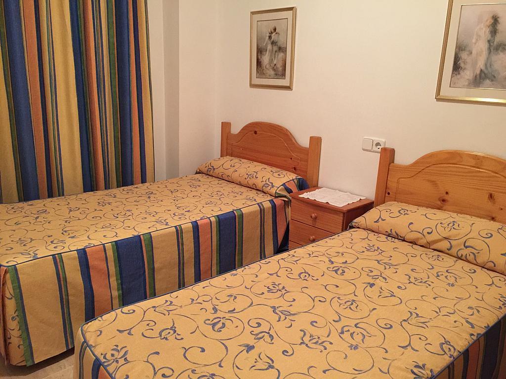 Dormitorio - Apartamento en venta en calle Viladomat, Covamar en Salou - 238061180