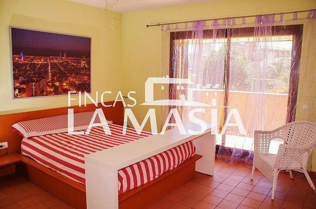 Casa adosada en alquiler en Centre en Vilanova i La Geltrú - 303862884