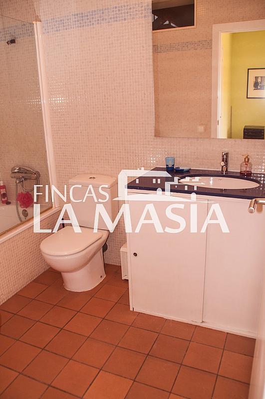 Casa adosada en alquiler en Centre en Vilanova i La Geltrú - 303862891