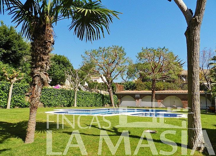 Casa adosada en alquiler en Vallpineda en Sant Pere de Ribes - 326272017