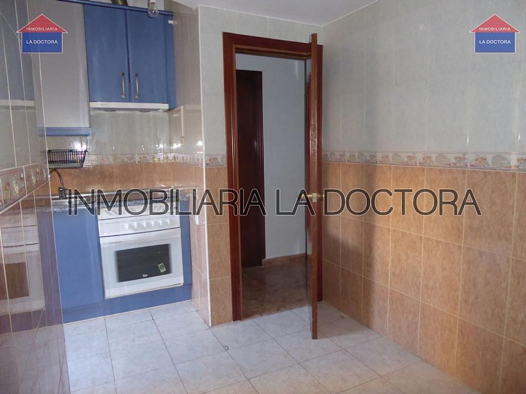 Piso en alquiler en calle Del Divino Valles, Delicias en Madrid - 323966927