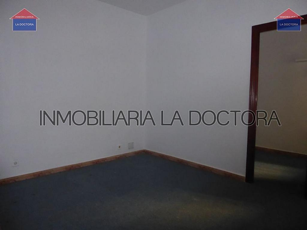 Piso en alquiler en calle Del Divino Valles, Delicias en Madrid - 323966942