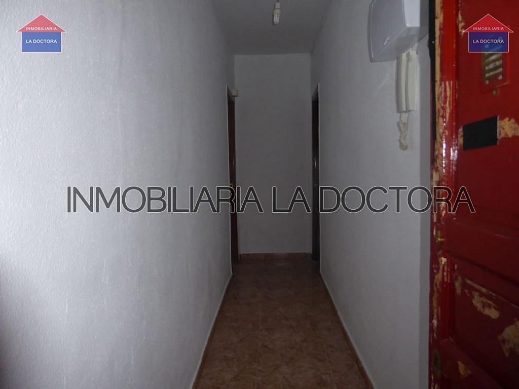 Piso en alquiler en calle Del Divino Valles, Delicias en Madrid - 323966951
