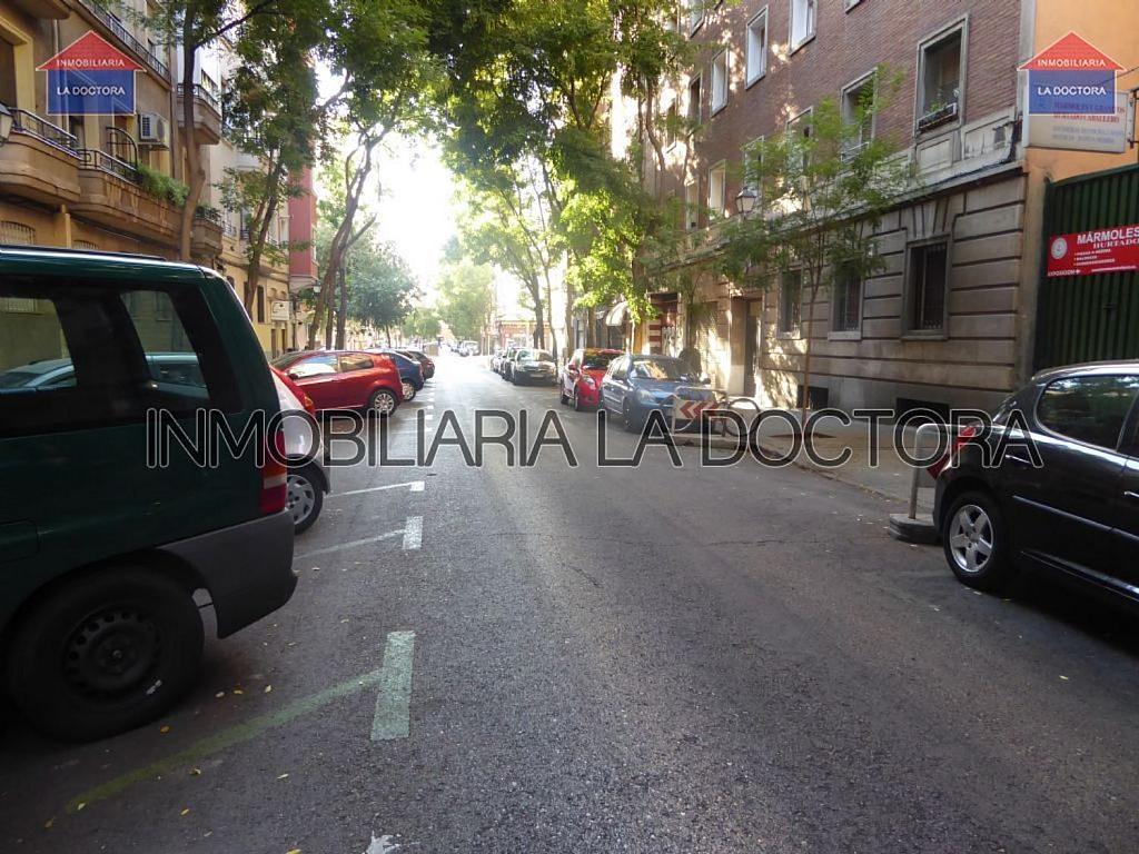 Piso en alquiler en calle Del Divino Valles, Delicias en Madrid - 323966957