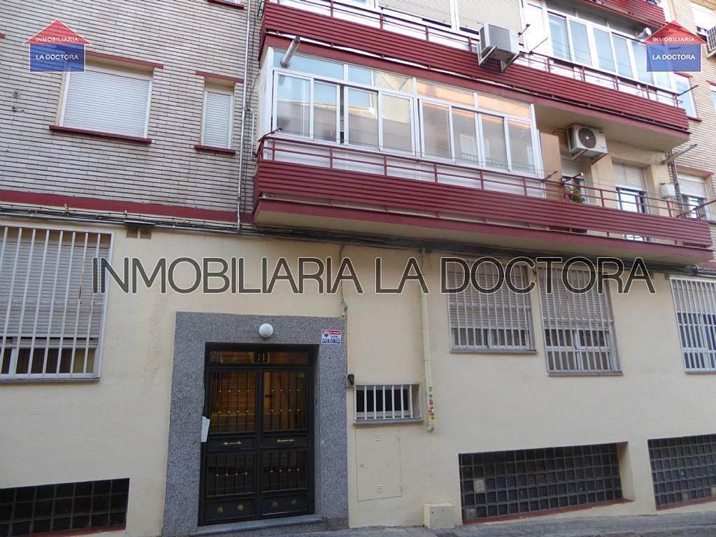 Piso en alquiler en calle Doctor Gerónimo Iborra, Carabanchel en Madrid - 332351453