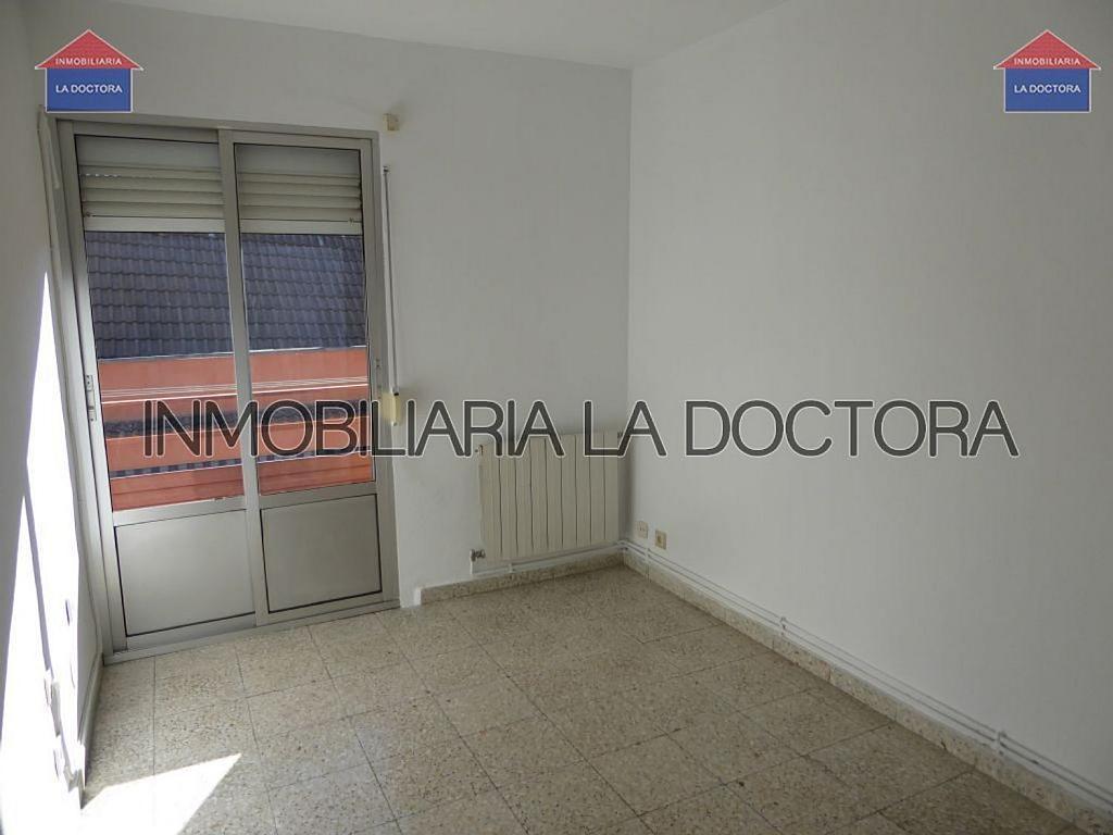 Piso en alquiler en calle Doctor Gerónimo Iborra, Carabanchel en Madrid - 332351462