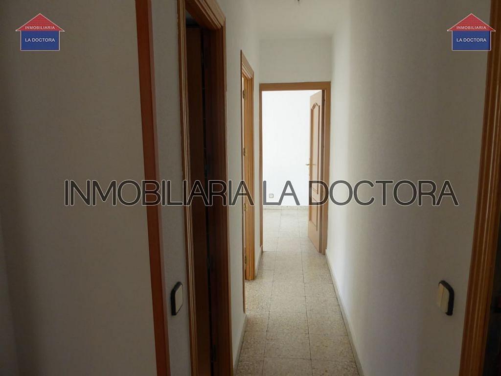 Piso en alquiler en calle Doctor Gerónimo Iborra, Carabanchel en Madrid - 332351471