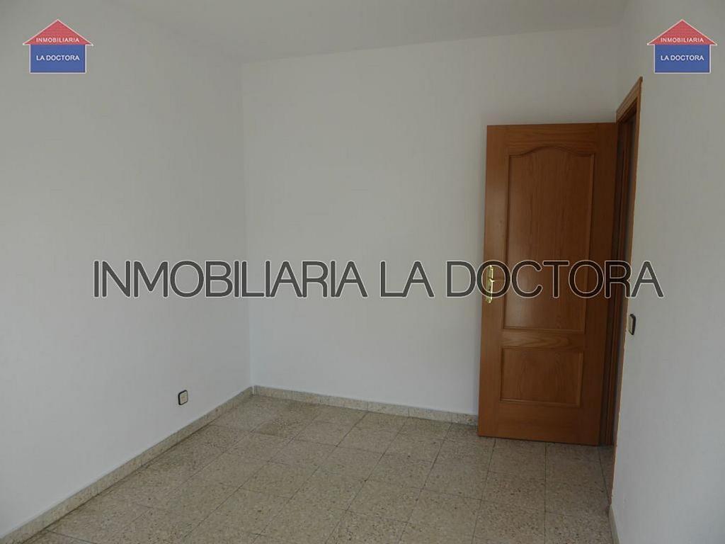Piso en alquiler en calle Doctor Gerónimo Iborra, Carabanchel en Madrid - 332351477
