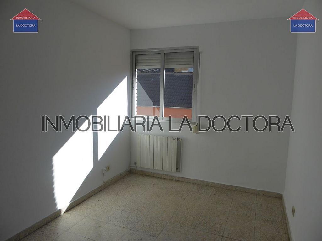Piso en alquiler en calle Doctor Gerónimo Iborra, Carabanchel en Madrid - 332351483