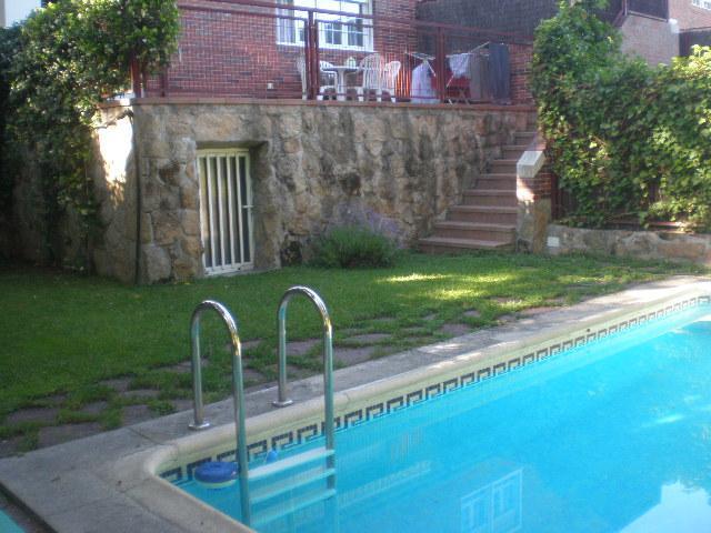 Casa adosada en alquiler en calle Italia, Zona Estación en Pozuelo de Alarcón - 86249591