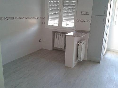 Piso en alquiler en calle San Aquilino, Castilla en Madrid - 314207172