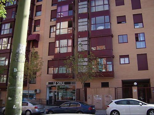 Piso en alquiler en calle Corindon, Los Rosales en Madrid - 328552922