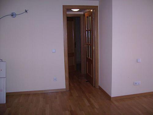 Piso en alquiler en calle Corindon, Los Rosales en Madrid - 328552944