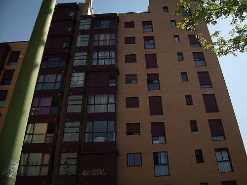 Piso en alquiler en calle Corindon, Los Rosales en Madrid - 328552954