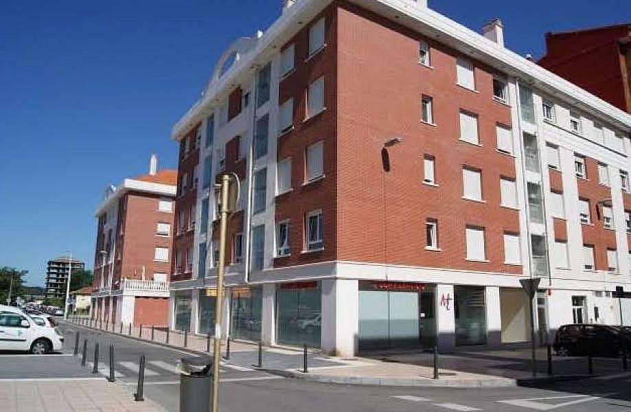 Foto - Piso en alquiler en calle Centro, Zona Centro en Torrelavega - 325151762