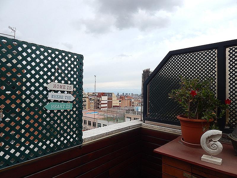 Ático en alquiler en calle Castillejos, El Baix Guinardó en Barcelona - 323060257