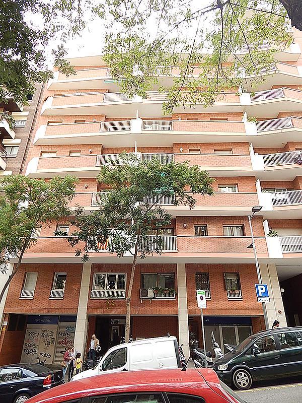 Ático en alquiler en calle Castillejos, El Baix Guinardó en Barcelona - 323060335