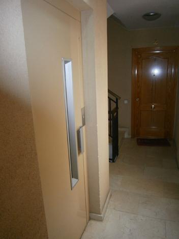 Piso en alquiler en calle Font del Coll, Vallcarca i els Penitents en Barcelona - 79268866