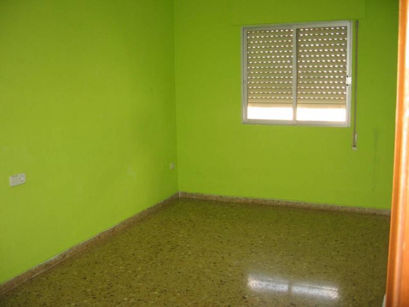 Piso en alquiler en calle , Pobla de Vallbona (la) - 80730866
