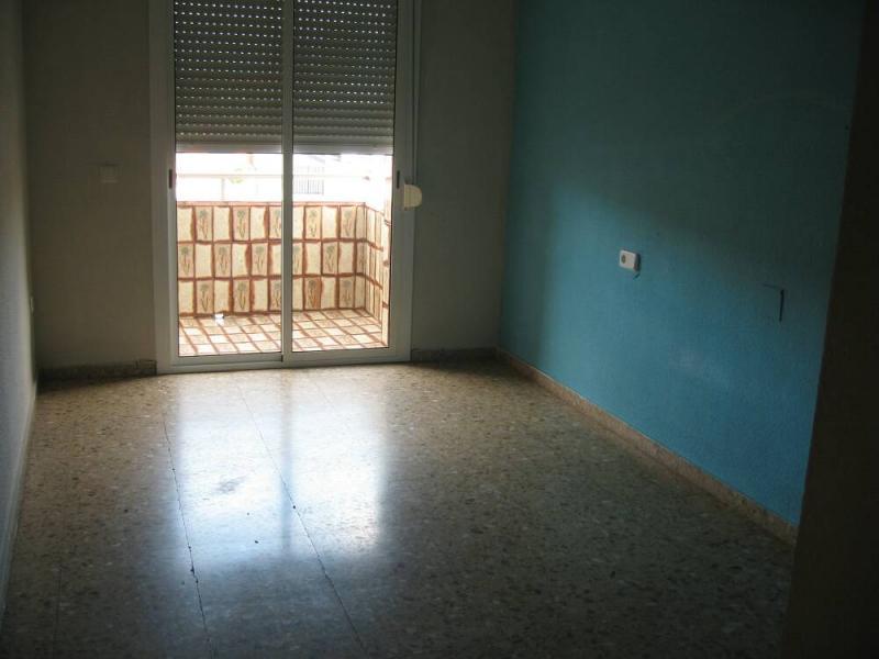 Piso en alquiler en calle , Pobla de Vallbona (la) - 80730877