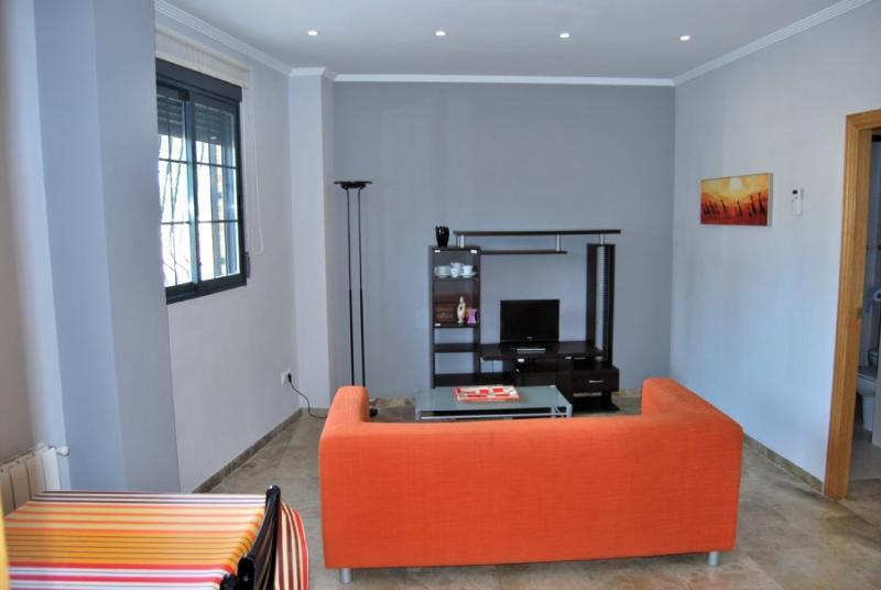 Apartamento en alquiler en calle , Pobla de Vallbona (la) - 81222390