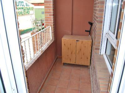 Piso en alquiler en calle , Pobla de Vallbona (la) - 81223366