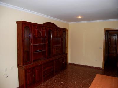 Piso en alquiler en calle , Pobla de Vallbona (la) - 81223371