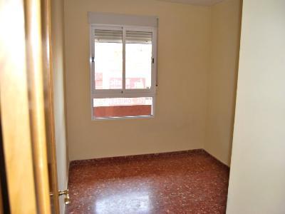 Piso en alquiler en calle , Pobla de Vallbona (la) - 81223375