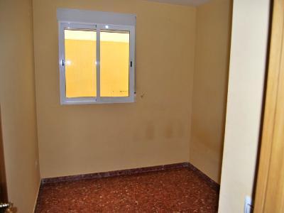 Piso en alquiler en calle , Pobla de Vallbona (la) - 81223377