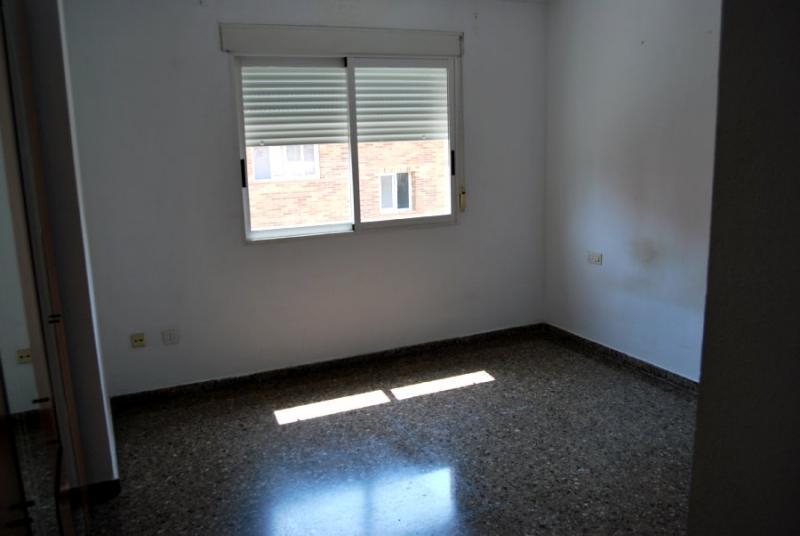Piso en alquiler en calle , Pobla de Vallbona (la) - 81223934