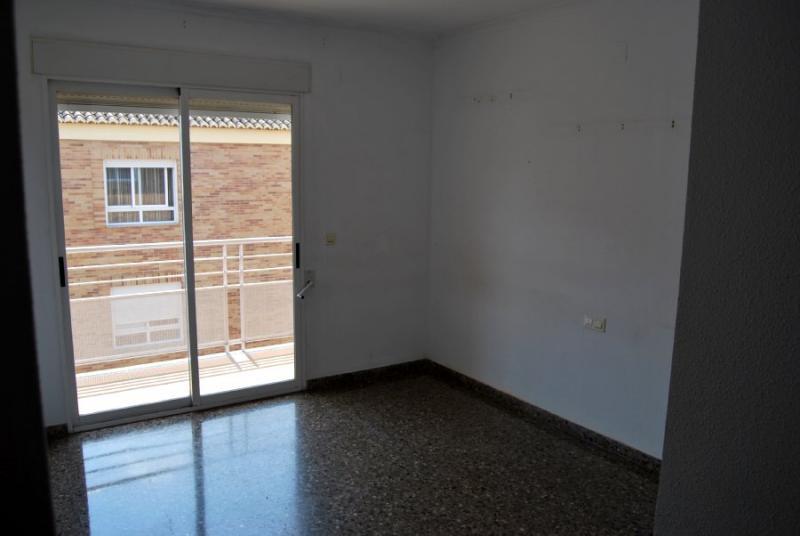 Piso en alquiler en calle , Pobla de Vallbona (la) - 81223940