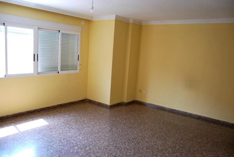 Piso en alquiler en calle , Pobla de Vallbona (la) - 81223948