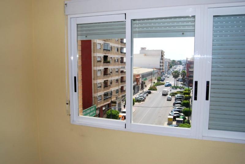Piso en alquiler en calle , Pobla de Vallbona (la) - 81223950