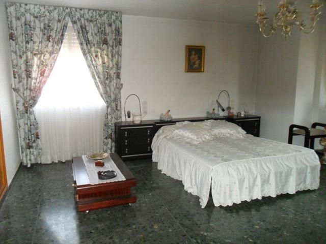 Piso en alquiler en calle , Benisanó - 81850708