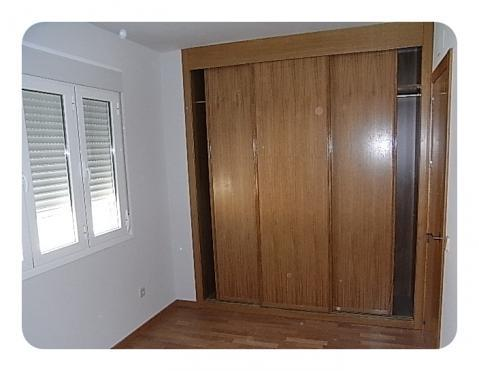 Dormitorio - Piso en alquiler en calle General Varela, Nucleo Urbano en Camarena - 59729272
