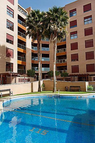 Piso en alquiler en calle Medico Francisco Pérez Company, Almería - 303084524