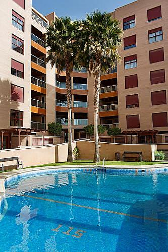 Piso en alquiler en calle Medico Francisco Pérez Company, Almería - 303084740