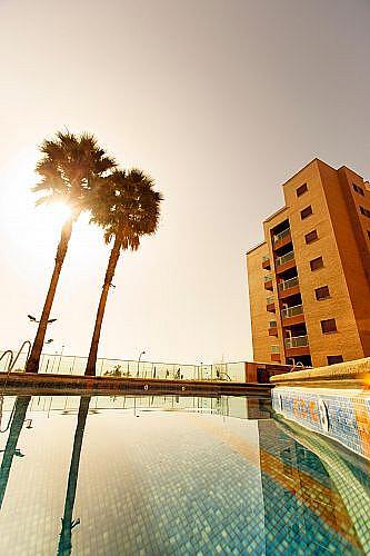 Piso en alquiler en calle Medico Francisco Pérez Company, Almería - 303084782