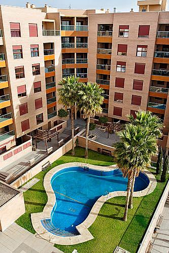 Piso en alquiler en calle Medico Francisco Pérez Company, Almería - 303084785